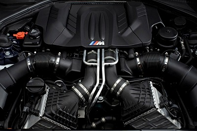 2013 BMW M6 Coupe-06.jpg